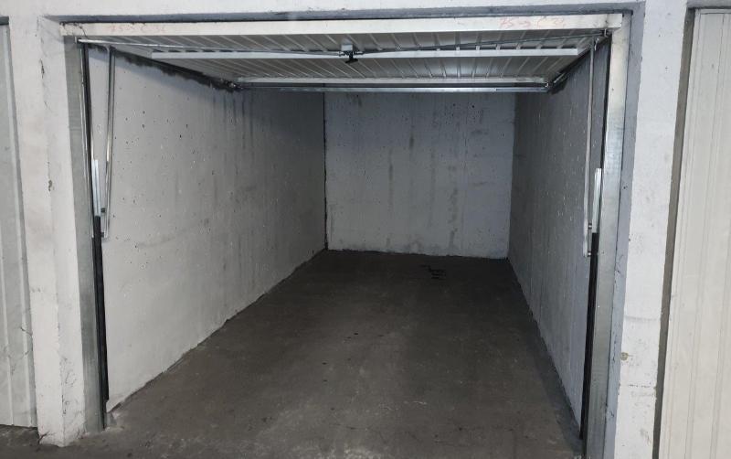Garage / box en Location à Villeurbanne